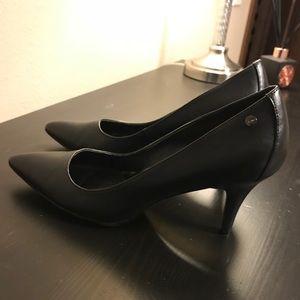 NWOT Calvin Klein Nadine Black Leather Pump Size 9